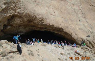 غار پشوم یزد